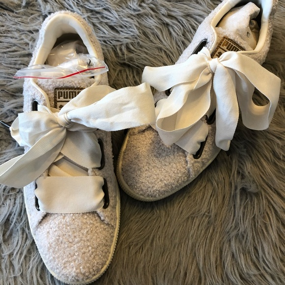 separation shoes 29894 79871 Puma basket heart teddy laced sneaker shoes